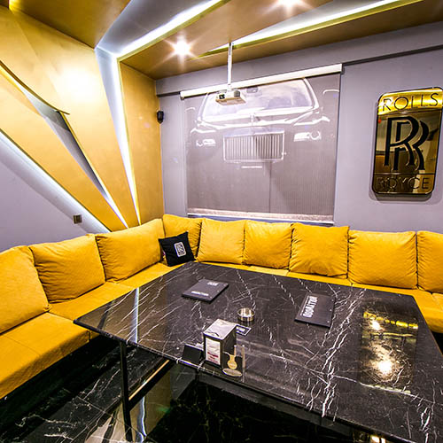 Hollywood Deluxe Cinema Room Rolls-Royce