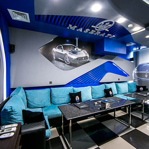 Hollywood Deluxe Cinema Room Maserati
