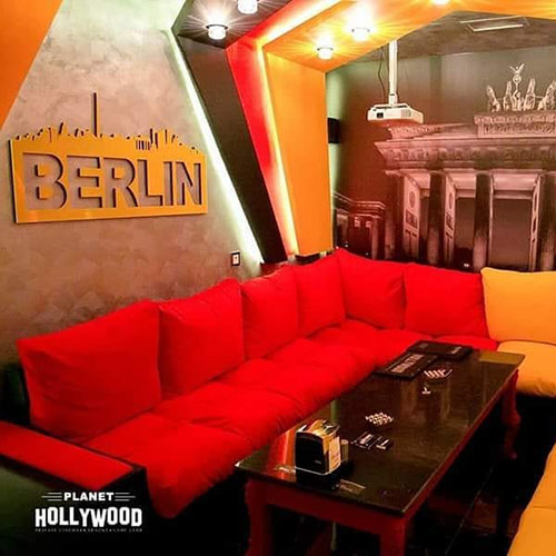Hollywood Planet Cinema Room Berlin