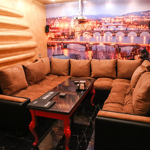 Hollywood Planet Cinema Room Prague