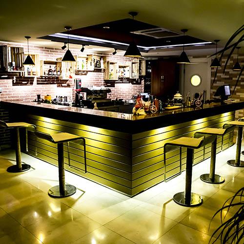 Shade Lounge & Terrace Hall Bar